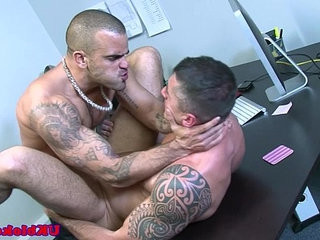 English muscled jock anal romp on desk | anal top   jocks   muscular