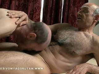 Hairy Mature wife Gets Massage And Fucks The Masseur | fucking  getting  hairy guy  massage  mature